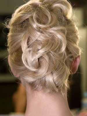 piled-up-pinned-hair-7-300x400